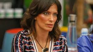 Fernanda Lessa finge un suicidio in diretta social.