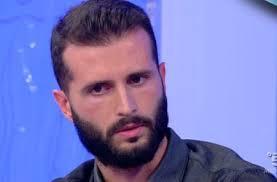 Francesco Zecchini ex corteggiatore trono gay di uomini e donne: Gianni e Tina non sanno cosa sia l'amore vero.