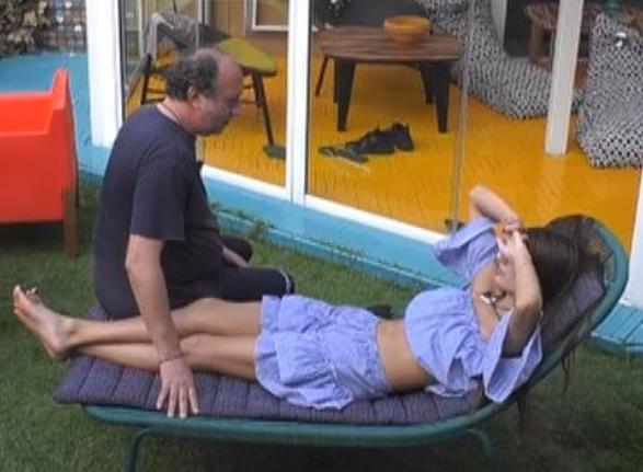 Gfvip: Fulvio Abbate incoraggia Franceska Pepe a recuperare le forze prima della puntata.