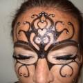 Venetiaans geïnspireerde thema make-up voor gemaskerd bal