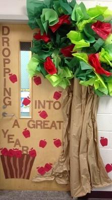 Puertas para nuestra clase o sal n ideas para decorar for Puertas decoradas para guarderia