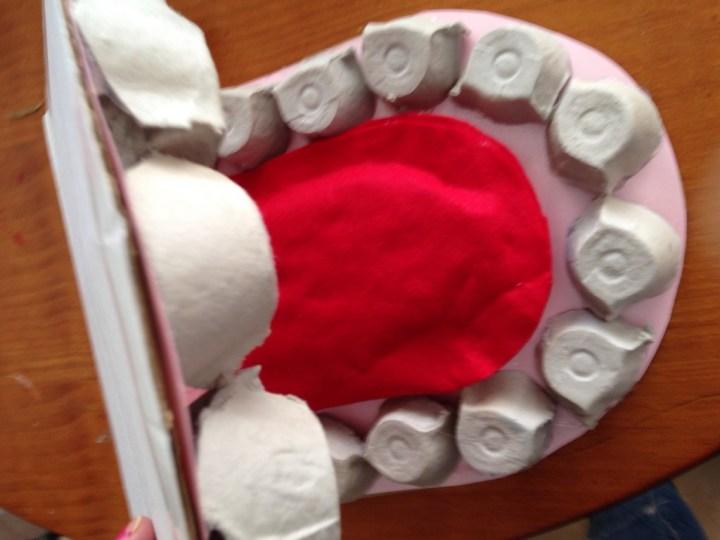 Manualidad Boca con dientes (7)