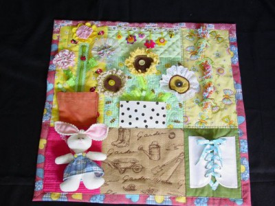 Mantas y cojines DIY para el desarrollo sensorial y motriz (1)
