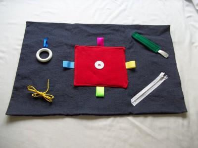 Mantas y cojines DIY para el desarrollo sensorial y motriz (6)
