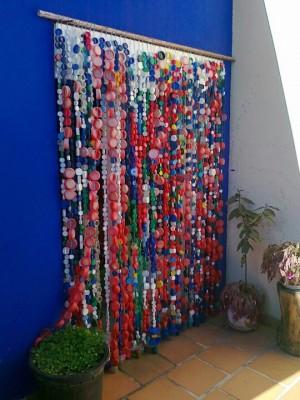 Cortinas para puertas interiores y exteriores con tapones y botellas de plástico (2)