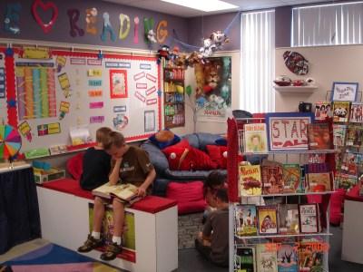 Biblioteca de Aula o salón (15)