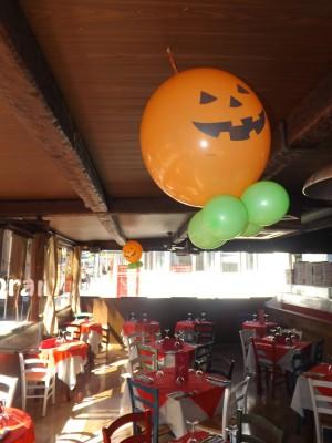 "ideas para decorar con globos para niños ""Halloween"" (14)"
