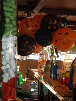 "ideas para decorar con globos para niños ""Halloween"" (17)"