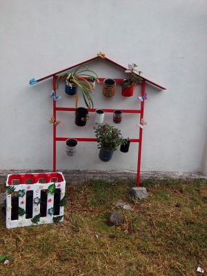Decoramos nuestro patio con neumáticos y materiales reciclados (2)