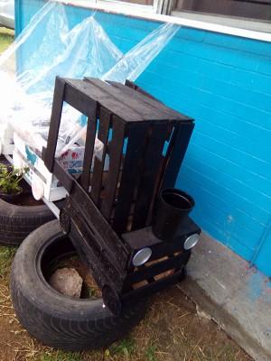 Decoramos nuestro patio con neumáticos y materiales reciclados (5)