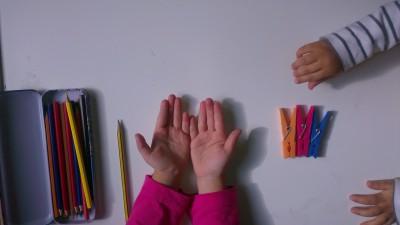 Truco enseñar a coger el lápiz correctamente (2)