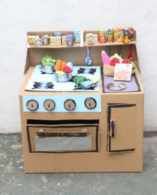 20 nuevas ideas para hacer cocinas de cart n para ni os y - Reciclar muebles de cocina ...
