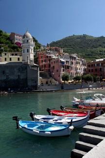 Le port du village de Vernaza, Cinque Terre, Italie - août 2013