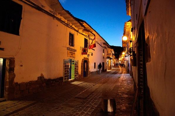 Ruelles pavées à la tombée du jour, Cuzco, Pérou - 2014