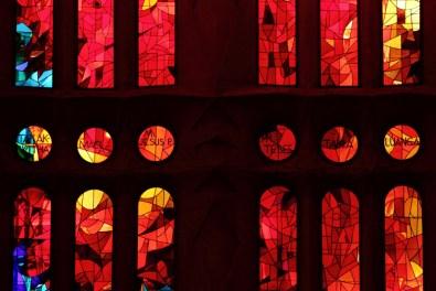 Sagrada Familia, détail des vitraux intérieurs, Barcelone - 2015