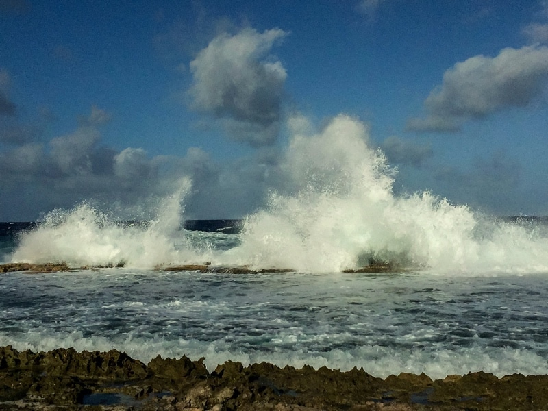 Waves_on_Bonaire.JPG