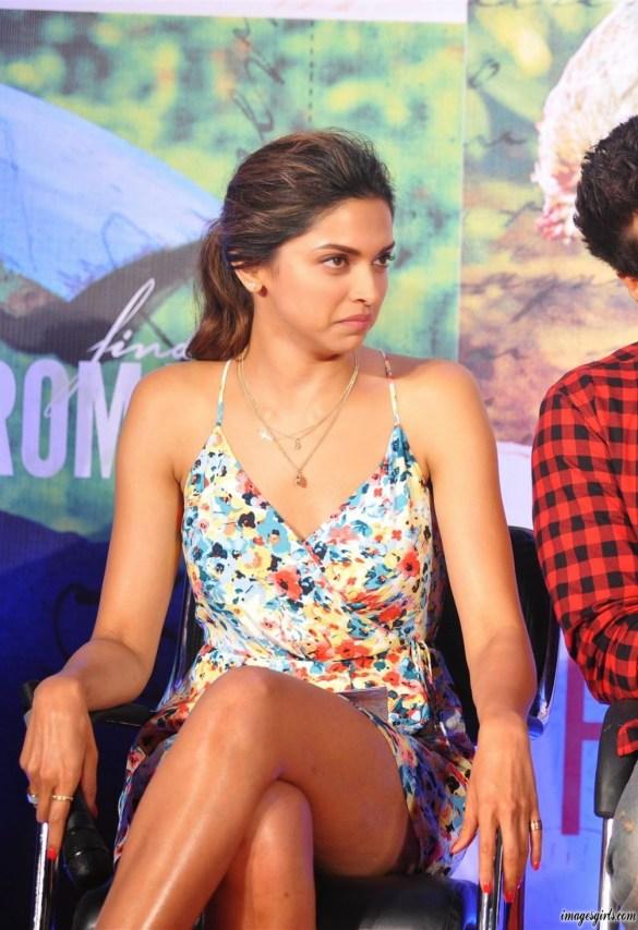 South Indian Actress Deepika Padukone Hot HD Wallpaper