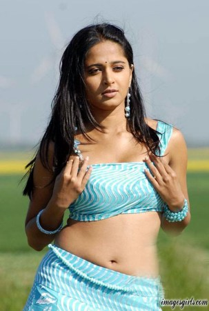 Anushka Shetty hot in princess dance Imeges
