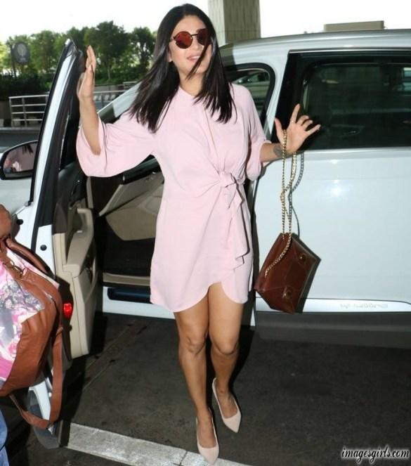 Shruti Haasan Hot Photo Shoot In Pink Dress