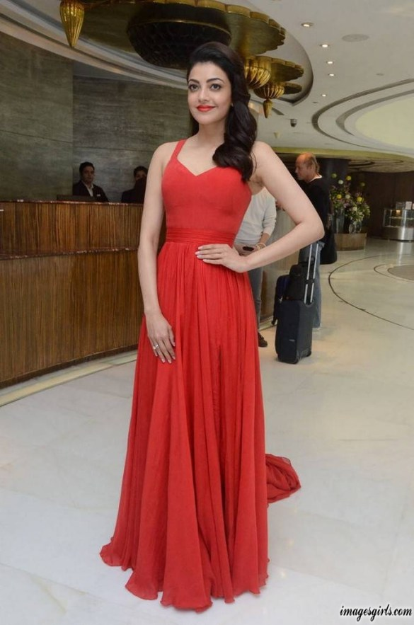Kajal Aggarwal Launches Ponds Starlight Perfumed Talc