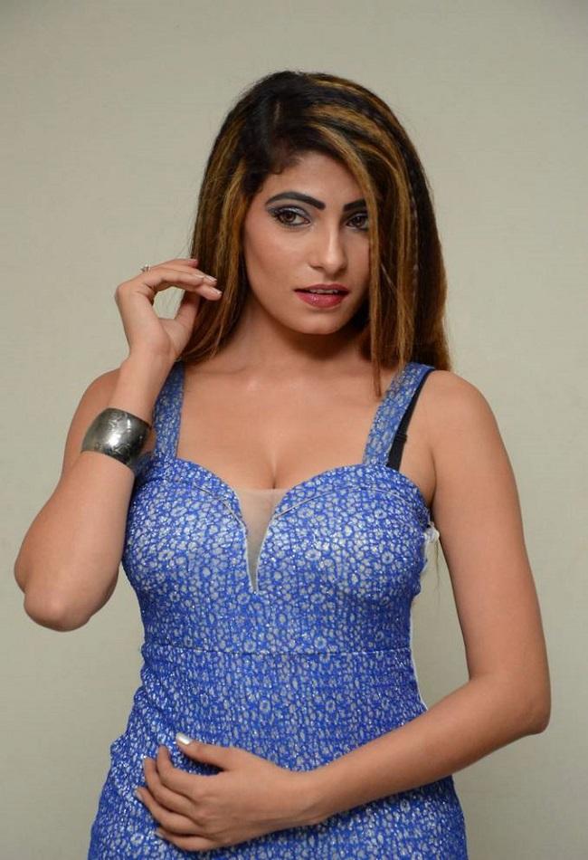 Nikita Soni Photos At Upcoming Movie