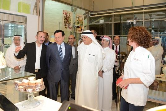 Dr Hassan Fakhro officially inaugurated the Cake Boutique at Seef Corner, Bahrain