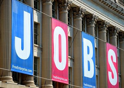 US retail records job growth in June