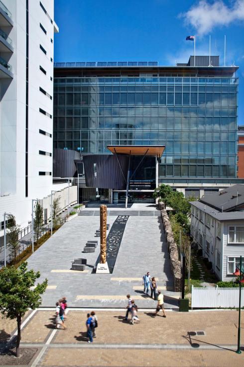 10056-7011-Image-Workshop-corporate-photographer-Melbourne-architecture-exterior