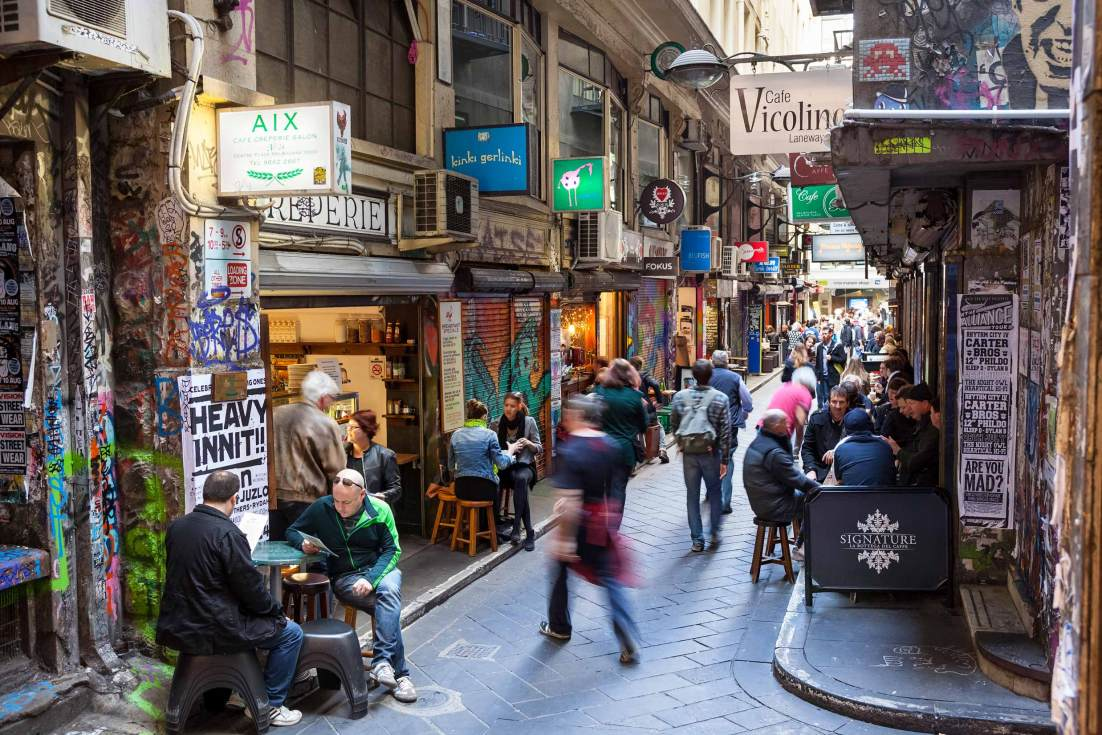 13007-0806-Image-Workshop-Melbourne-professional-photographer-laneways-cafe-culture-centre-place