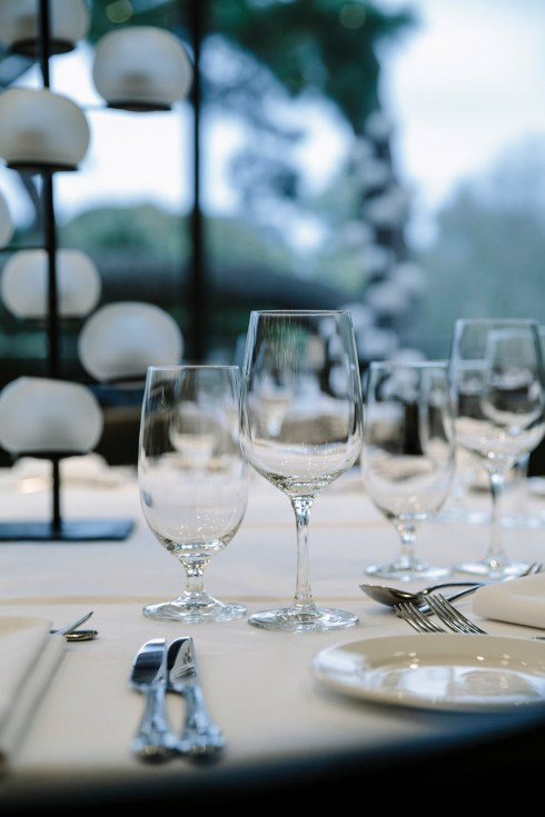 16119-0445-Image-Workshop-Melbourne-photographer-restaurant-moody-wine-glasses