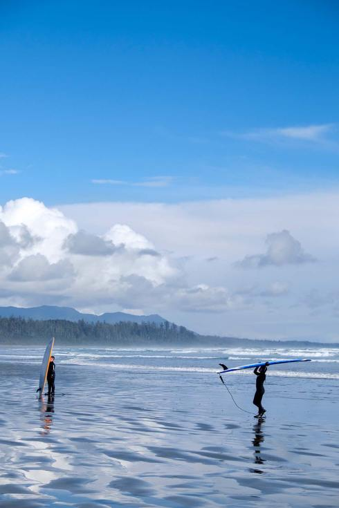 PWS015-0291-Sharon-Blance-photographer-Tofino-travel-editorial-surfers-beach