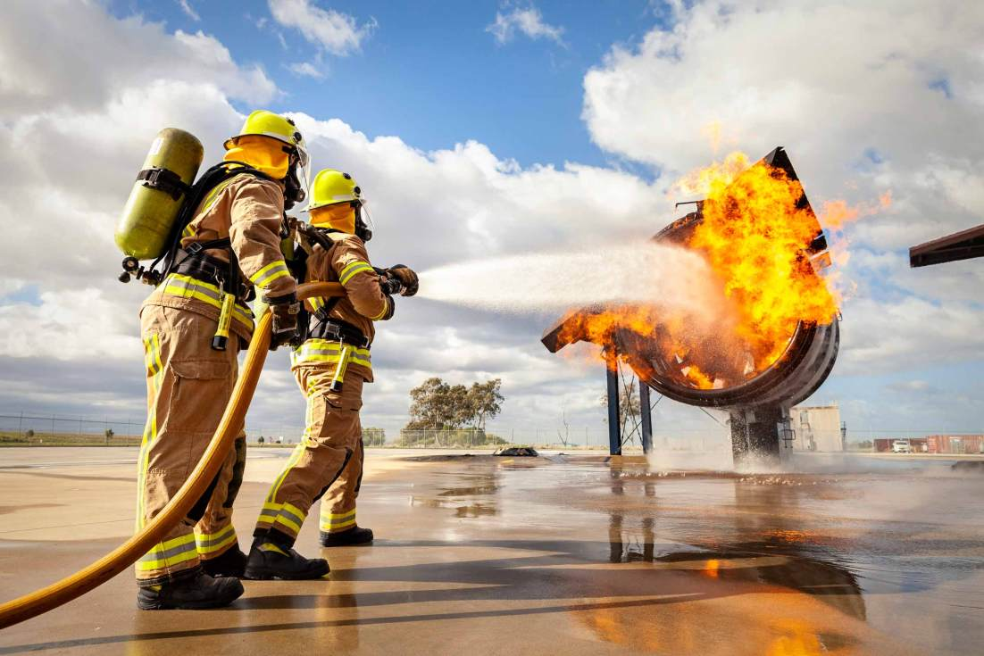 18106-4211-Image-Workshop-Melbourne-firefighter-fire-fighting-photography