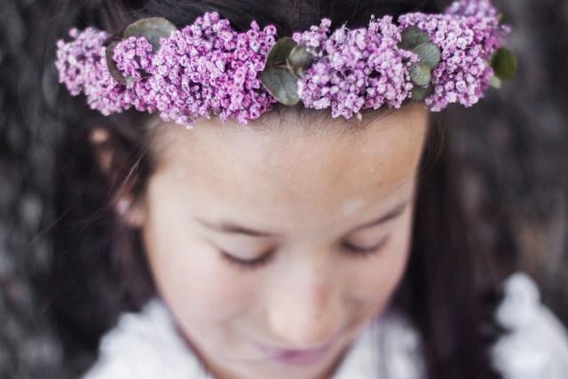 Corona flores paniculata rosa comunión