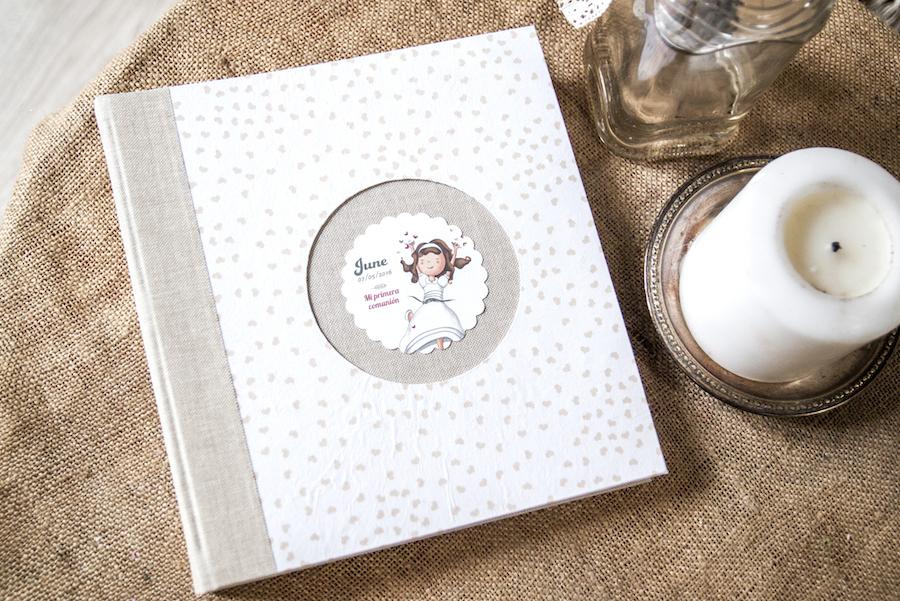 album comunión niña lino beige corazones