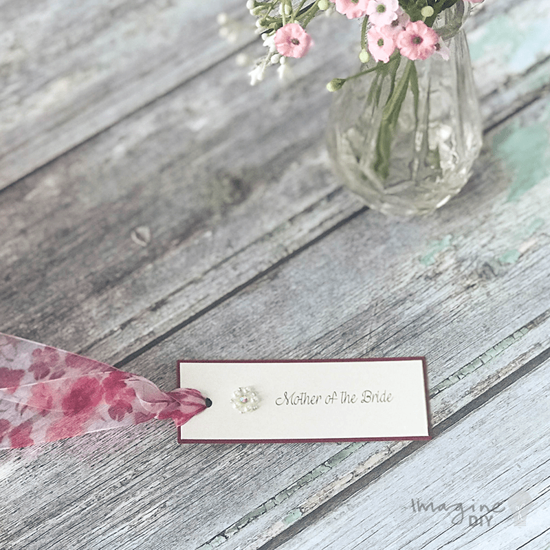 DIY wedding place cards. Wedding name tags. Make your own wedding staitonery