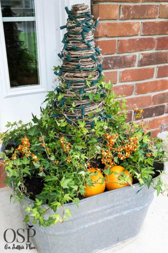 14 Genius Ways To Repurpose Galvanized Buckets And Tubs: 25 Fresh Fall Porch Ideas
