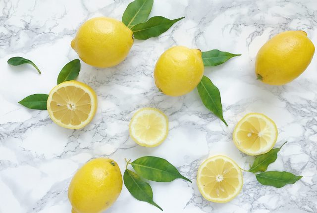Green Cleaning with Lemon Essentail Oil