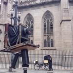 Ao lado da Catedral da Sé para estrear o colódio-bike (foto de Simone Wicca)