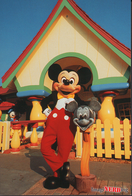 Mickey Mouse in the house Disney postcard starland
