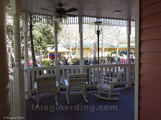 dollywood-sweet-shoppe-rocking-chairs