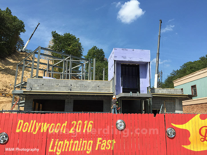 Dollywoods Lightning Rod Construction