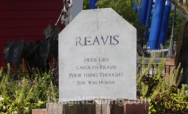carowinds-tombstone-002