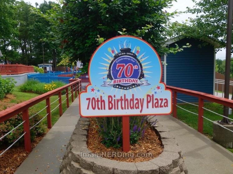 holiday-world-santa-claus-land-70th-plaza-01