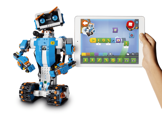 LEGO_BOOST_Tablet_Vernie-white-bckgrnd