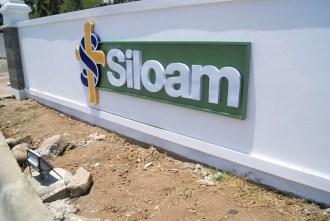 Signage Letter iImbul Siloam Hospital Makassar Ukuran 1,5 x 5 Meter di Jl. Metro Tj. Bunga. Pesanan Lippo TBK Pusat.