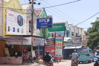Billboard-SPC-Mobile-di-Naufal-Cell-Sudiang-Makassar