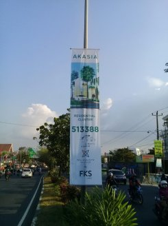 pemasangan T banner jalan perintis kemerdekaan makassar 2