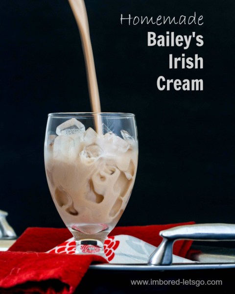 Homemade Bailey's Irish Cream - so easy, so delicious!