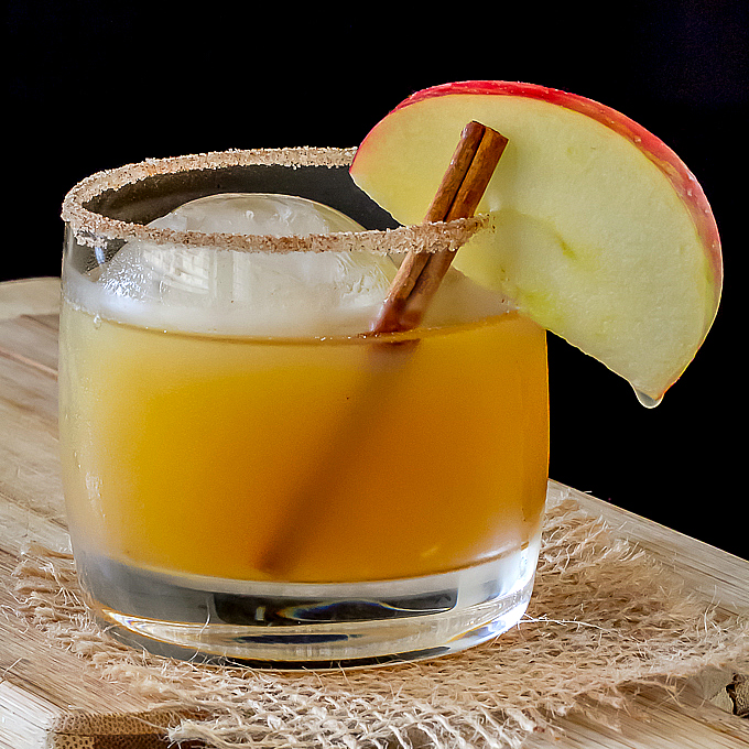 Bourbon Apple Cider CocktailFG