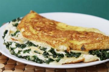Soufflé煎蛋卷配罗利亚和炒坡道